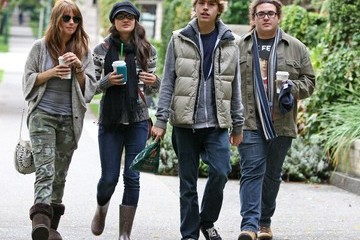 "Matthew Timmons ""Suite Life"" Cast Goes to Starbucks"