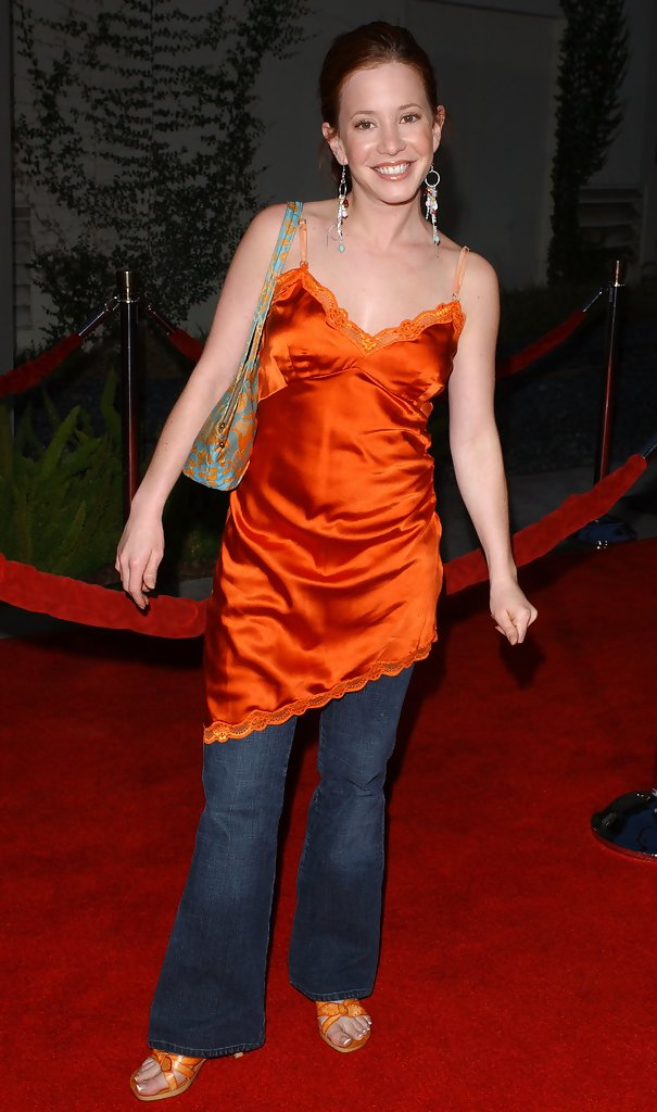 Mean Girls Premiere Ivku Lhqrvx further Thegrudge further Hot Anna Friel Pictures additionally Hqdefault in addition Hilary Rhoda Hot. on arielle kebbel