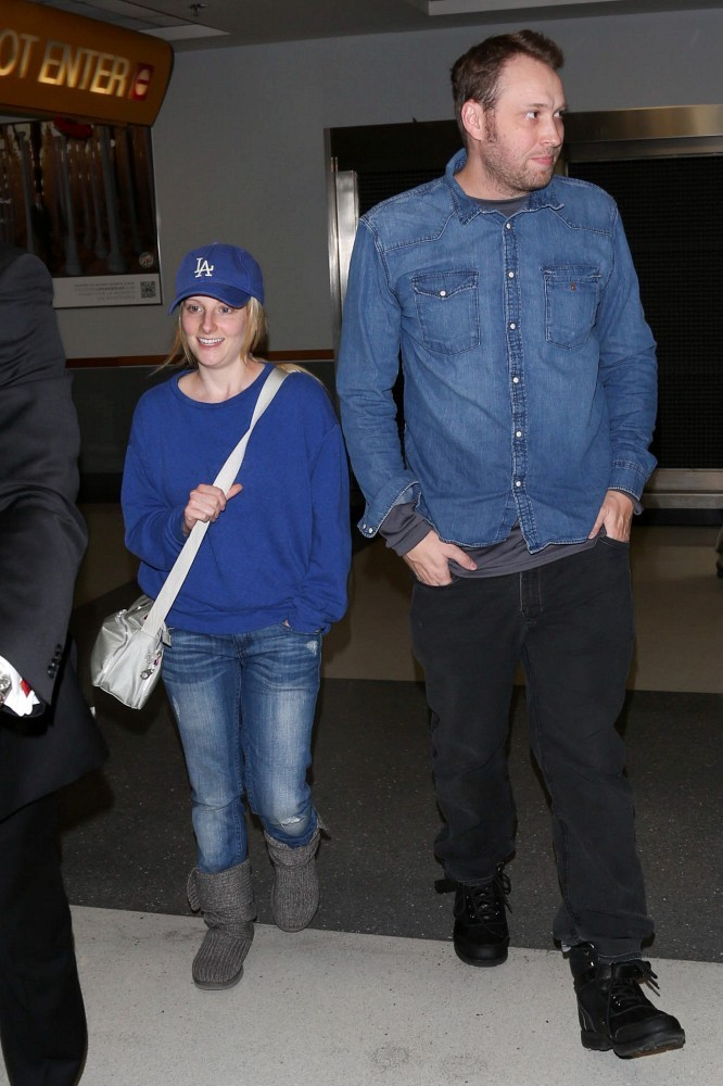 Melissa Rauch in Melissa Rauch and Winston Beigel at LAX ...