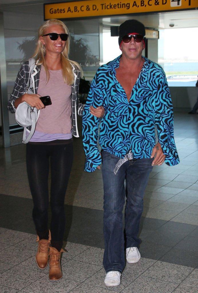 Mickey Rourke Anastasia Makarenko Mickey Rourke And Anastasia Makarenko Photos Zimbio 19.10.2020 · since 2009, mickey rourke has been in a relationship with anastassija makarenko, and there isn't too much known about her. mickey rourke anastasia makarenko