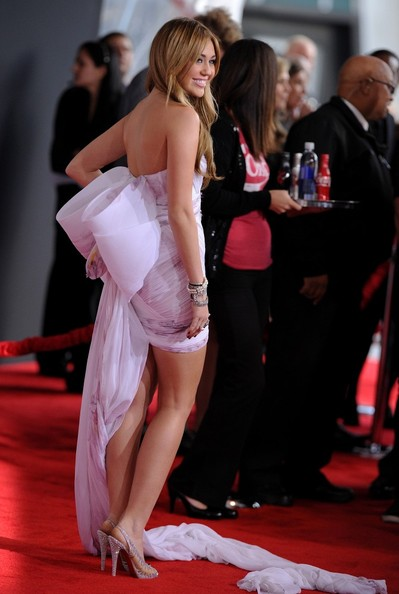 Miley Cyrus 2010 American Music Awards - Arrivals.Nokia Theatre L.A. Live, Los Angeles, CA. .November 21, 2010.