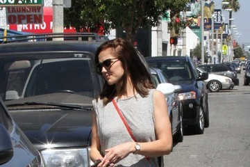 Minka Kelly Minka Kelly Shops for Furniture