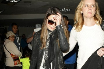 Miranda Cosgrove Miranda Cosgrove Arrives at LAX
