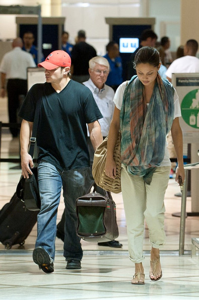 Nick Lachey Nick Lachey and Vanessa Minnillo arrive at LAX (Los Angeles International Airport) off a late night flight.