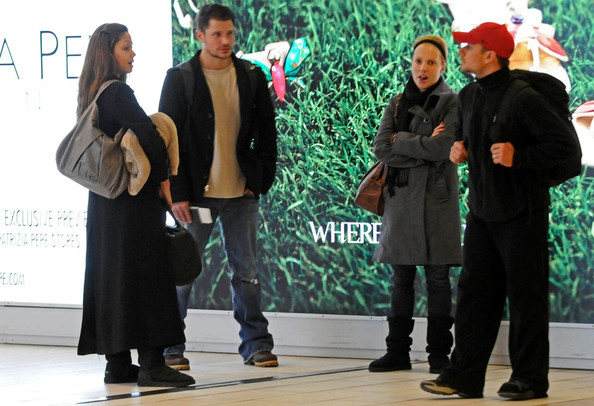 Nick Lachey and Vanessa Minnillo at Florence Airport