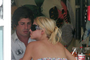Nicky Hilton and Brandon Davis grab a bite to eat while hanging out in Miami.