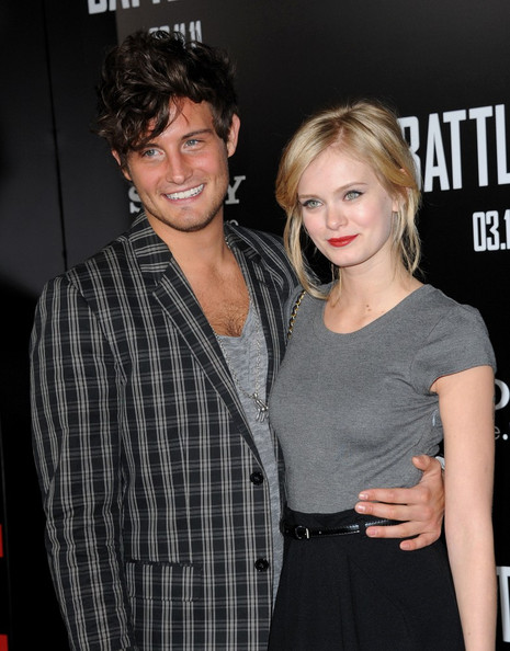 Sara Paxton with Single