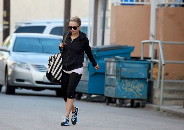 http://www1.pictures.zimbio.com/bg/Nicole+hits+the+gym+a2NSs0tpFVHl.jpg