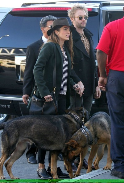 Nikki Reed - Nikki Reed and Dog at the Airport 2