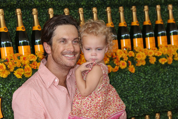 Oliver Hudson Celebrities Arrive at the Sixth-Annual Veuve Clicquot Polo Classic