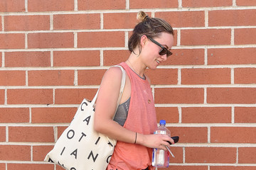 Olivia Wilde Olivia Wilde Steps Out in Los Angeles