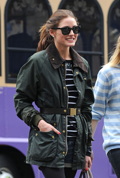 Incredible Olivia Palermo Olivia Palermo and a friend walk in the East Village. 400 x 594 · 76 kB · jpeg