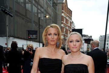 Gillian Anderson's Look-Alike Daughter is Gorgeous