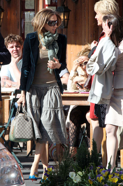 Sarah Jessica Parker lunches with friends at Morandi restaurant before getting into her Toyota Prius and heading home.