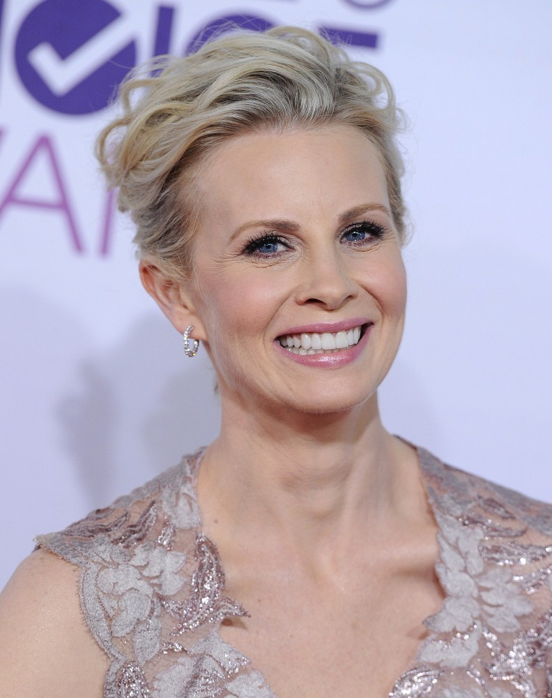 Short prom hairstyles zimbio - Potter Photos Photo Gallery Monica Potter Short Hairstyle 2013