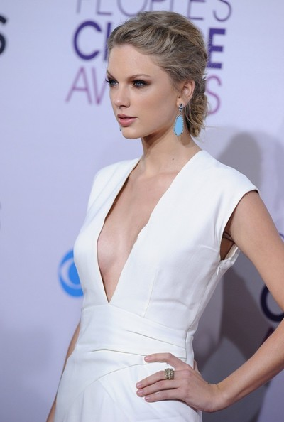 People's Choice Awards 2013..Nokia Theatre L.A. Live, Los Angeles, CA..January 9, 2013..Job: 130109A1..(Photo by Axelle Woussen)..Pictured: Taylor Swift.