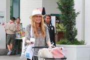 Pregnant Cat Deeley Goes to the Market