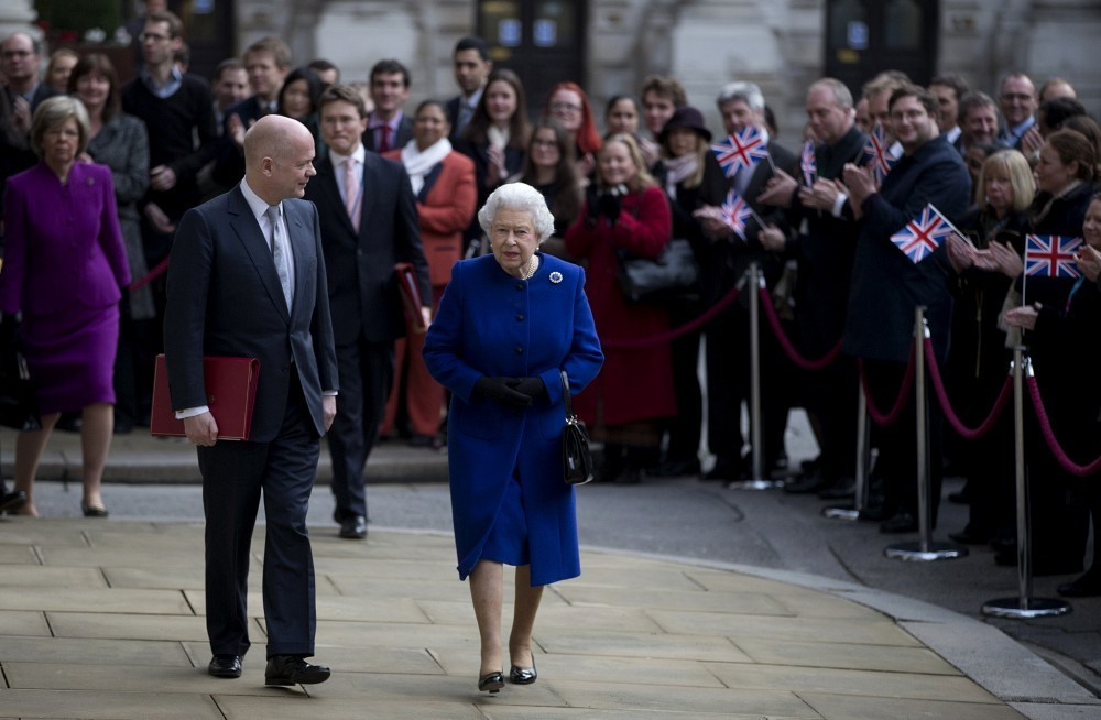 William hague photos queen visits foreign and - British foreign commonwealth office ...