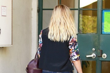 Reese Witherspoon Reese Witherspoon Rocks Bright Florals