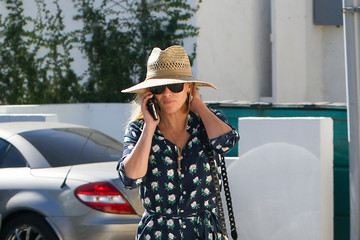 Reese Witherspoon Reese Witherspoon Steps Out In L.A.