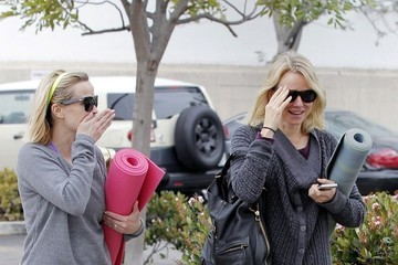 Reese Witherspoon Naomi Watts Reese Witherspoon and Naomi Watts Leave Yoga