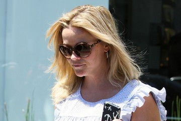 Reese Witherspoon Reese Witherspoon Goes to the Salon