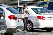 Reese Witherspoon Goes Shopping