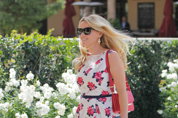 Reese Witherspoon Reese Witherspoon and Lena Dunham Meet in Beverly Hills
