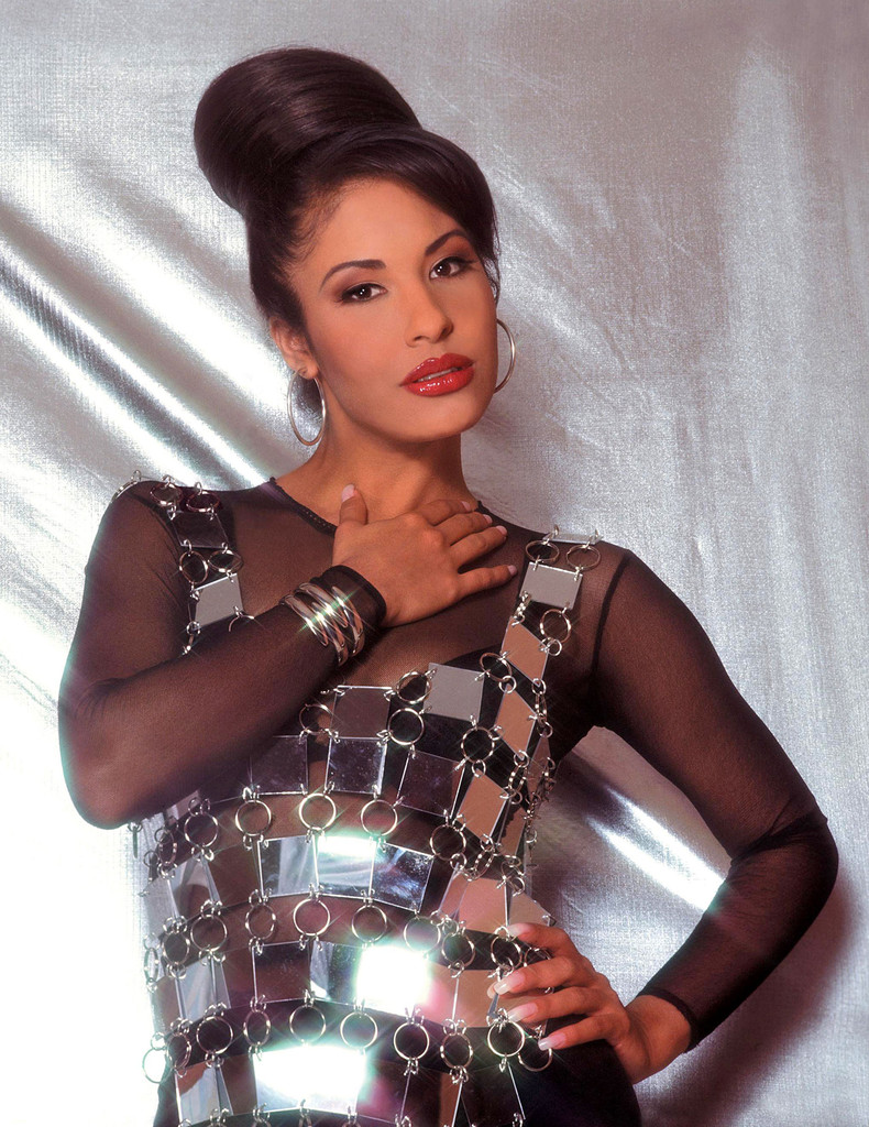 selena quintanilla It's been 22 years since the death of tejano musician selena quintanilla-perez  but her legacy lives on, and although she never claimed dallas.