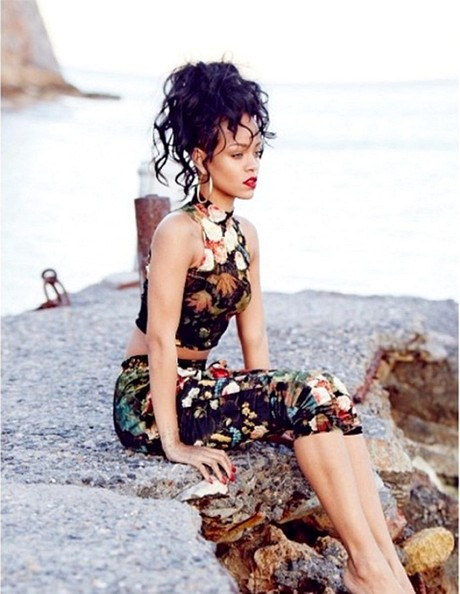 Rihanna posts vacation pictures on her Instagram.