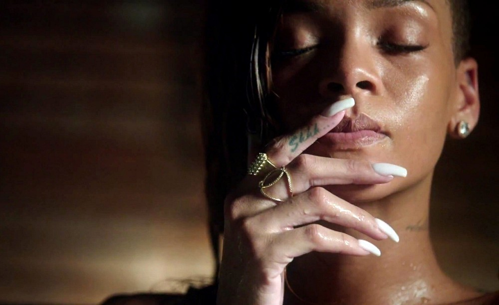 Rihanna Song In Bathtub 28 Images Rihanna Stay Music