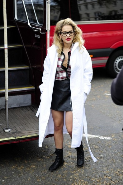 Rita Ora holds a British themed photo shoot at Westminster Bridge. (EROTEME.CO.UK)