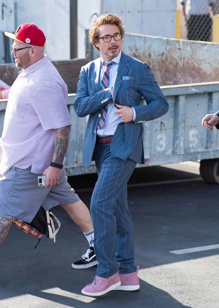 http://www1.pictures.zimbio.com/bg/Robert+Downey+Jr+Robert+Downey+Jr+Visits+Jimmy+xQZj3CqqZxJx.jpg