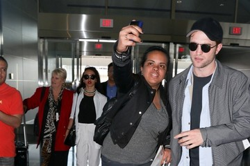 Robert Pattinson Robert Pattinson and FKA Twigs at JFK
