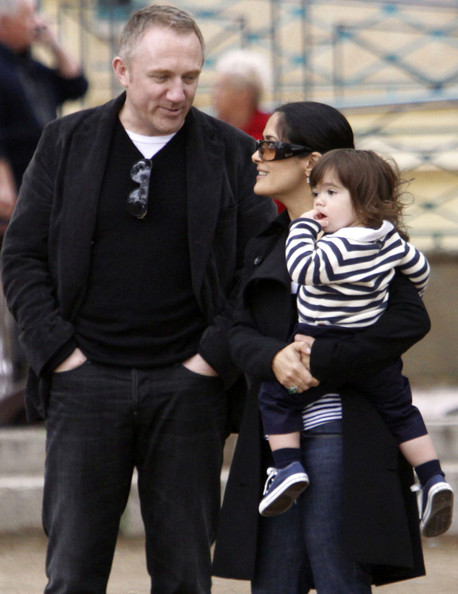 salma hayek husband and daughter. Actress Salma Hayek, husband