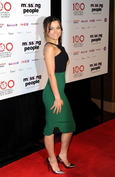 samantha barks dating history The handsome couple, who are believed to have started dating last year, looked cosy as they stood along side each other for photos at the louis xiii '100 years' preview party in soho isle of man-born samantha showed off her slim figure in a stunning black and white floor-length gown with sexy thigh-high split and plunging neckline.