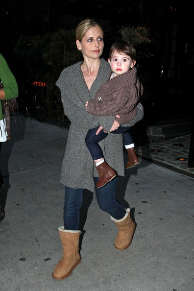 sarah michelle gellar daughter. Sarah Michelle Gellar carries