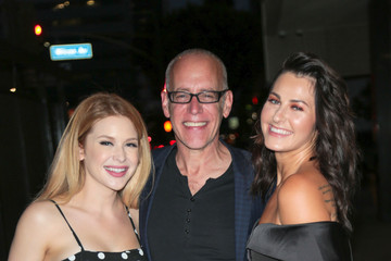 Scout Taylor-compton Renee Olstead Outside Arena Cinalounge