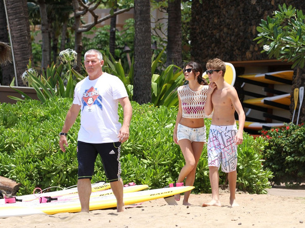 selena gomez and justin bieber dating in the beach. Selena Gomez and Justin Bieber