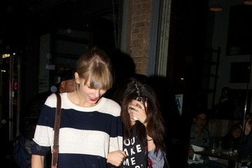 Selena Gomez Taylor Swift Taylor Swift and Selena Gomez Have a Girls Night Out