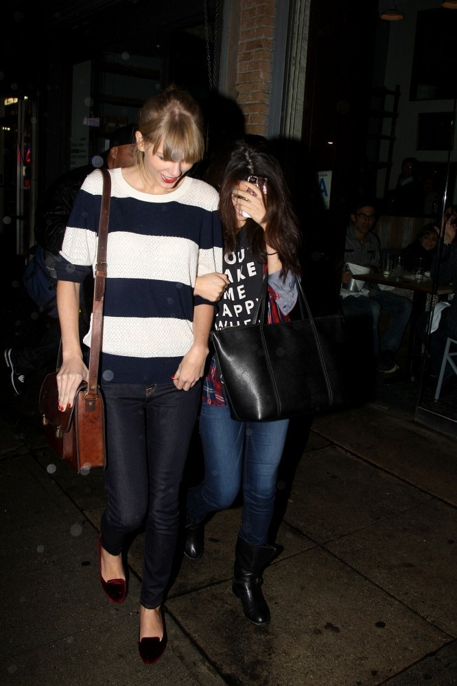 Selena Gomez and Taylor Swift - Taylor Swift and Selena Gomez Have a Girls Night Out