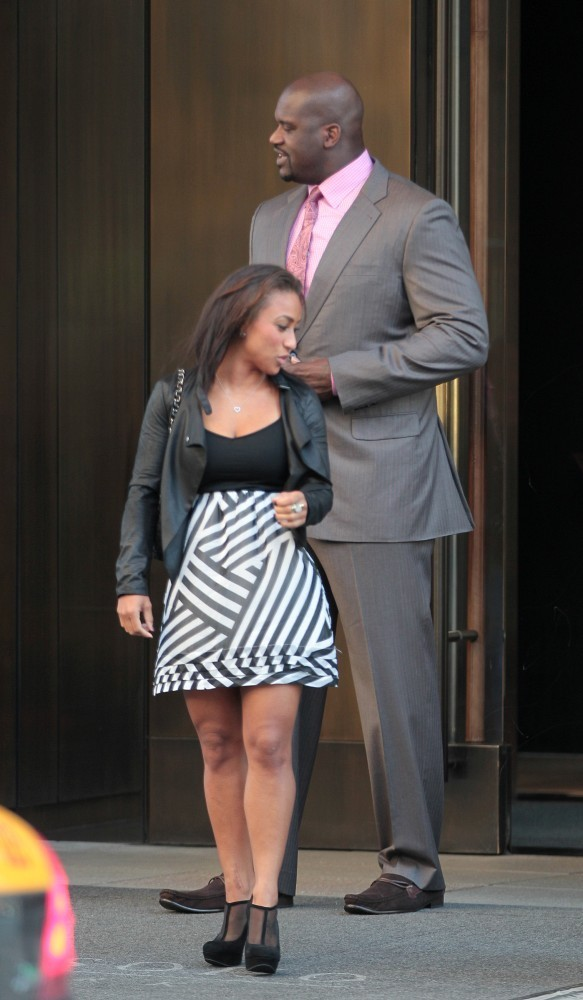 Similar Shaq and his girlfriend apologise