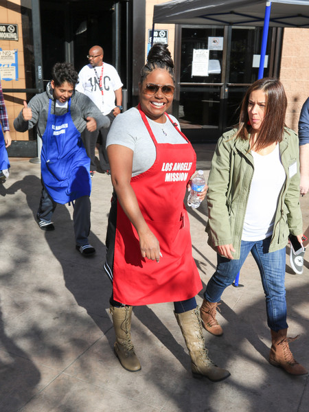 Shar Jackson Volunteers at the Los Angeles Mission