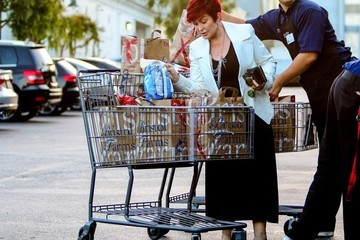Sharon Osbourne Sharon Osbourne Goes Shopping