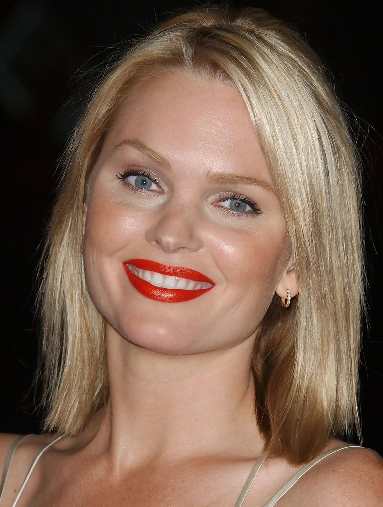 The gallery for --> Cogeian Embry Sunny Mabrey Snakes On A Plane