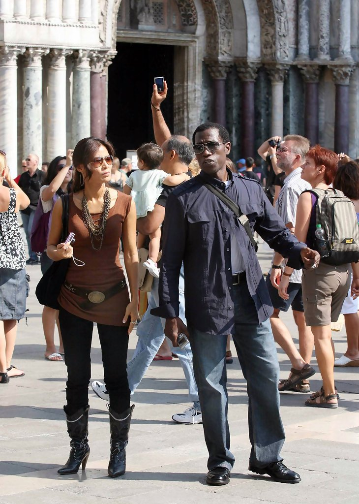 Wesley Snipes Nikki Park Wesley Snipes Photos Wesley Snipes In The Piazza San Marco Zimbio
