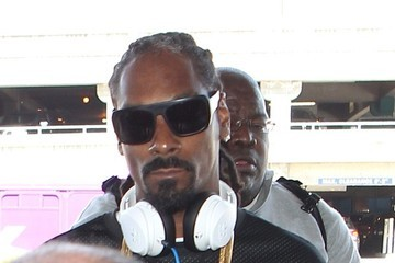 Snoop Dogg Snoop Dogg Arrives at LAX