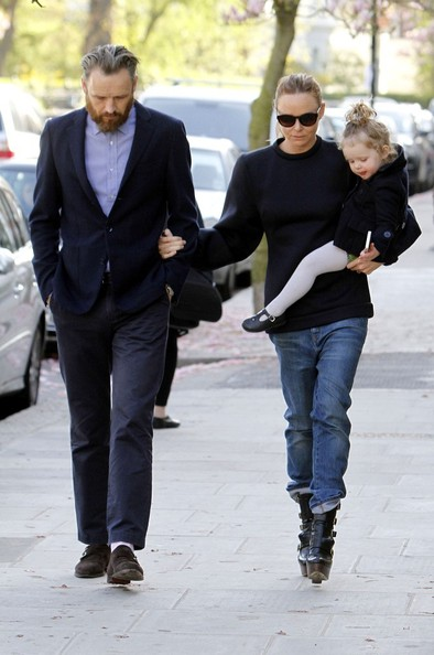 Photo of Stella McCartney & her Daughter  Reiley Dilys Stella Willis