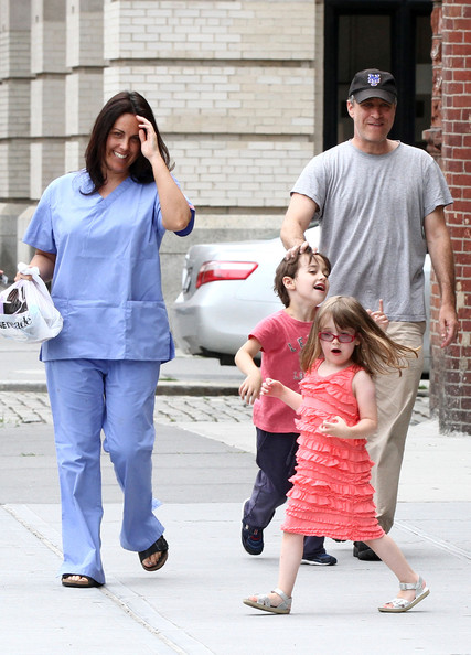 Tracey stewart pictures jon stewart and family out and about