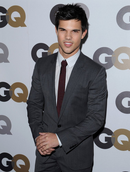2010 gq men of the year party in this photo taylor lautner 2010 gq men